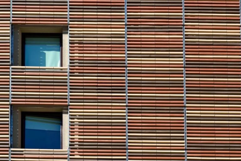 Hotel Ibis – Terracotta Sunscreen